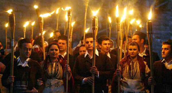 Mob-with-torches